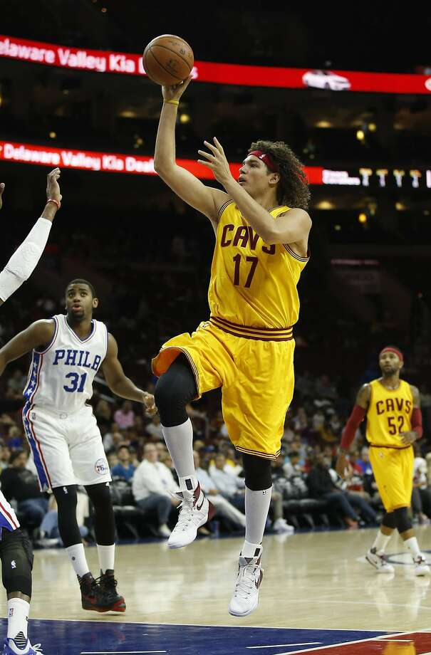 Anderson Varejao agrees to terms with the Warriors two days after being traded from Cleveland to Portland and then being waived. Photo: Matt Slocum, Associated Press