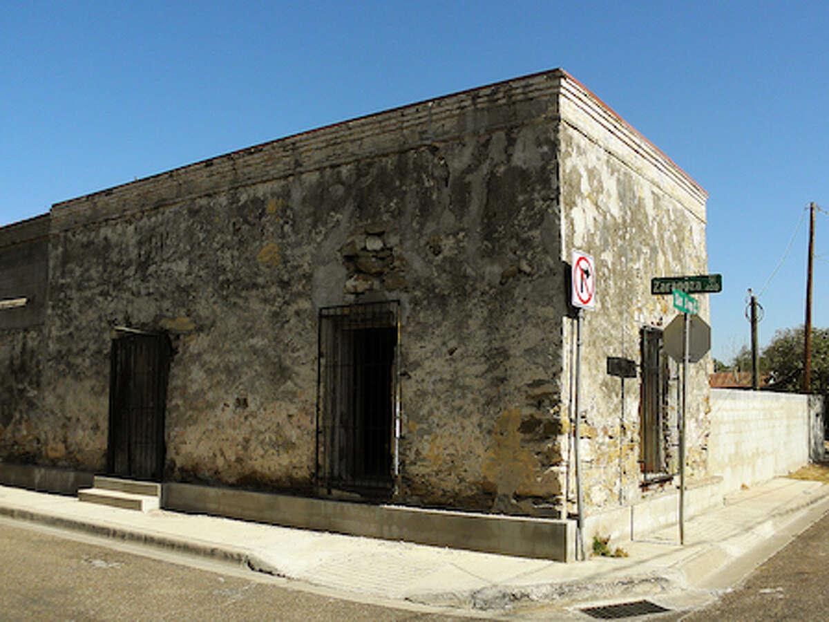 El Azteca Neighborhood Laredo, Webb County