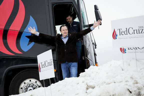 FILE — Rick Tyler, communications director for Ted Cruz's campaign, exits a campaign bus before an event in Boone, Iowa, Jan. 4, 2016. Cruz fired Tyler on Feb. 22 after the campaign circulated a doctored video that appeared to show Sen. Marco Rubio disparaging the Bible.  (Eric Thayer/The New York Times)