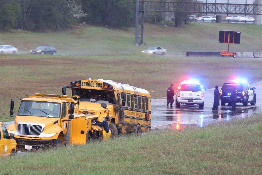 School Bus Flipped On South Freeway Houston Chronicle