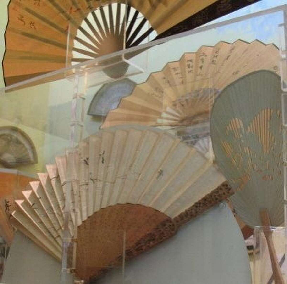 Hand Fan Museum Healdsburg Love the elegance of hand fans? You've found your nirvana at the Hand Fan Museum in Healdsburg. The museum houses a collection of fans from around the world. It is, perhaps unsurprisingly, the only hand fan museum in the United States.