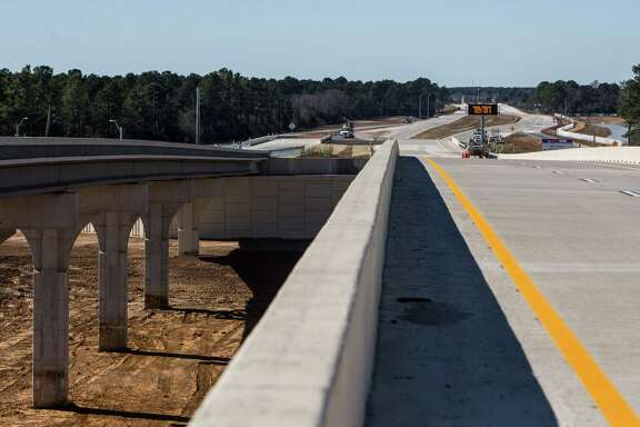 A section of the Grand Parkway just west of SH249 is shown on Friday, Jan. 29, 2016, in Houston. The new sections of State Highway 99, connecting the Cypress, Tomball and The Woodlands areas, are scheduled to open February, 8. Tolls will start being collected beginning February 15. ( Brett Coomer / Houston Chronicle )