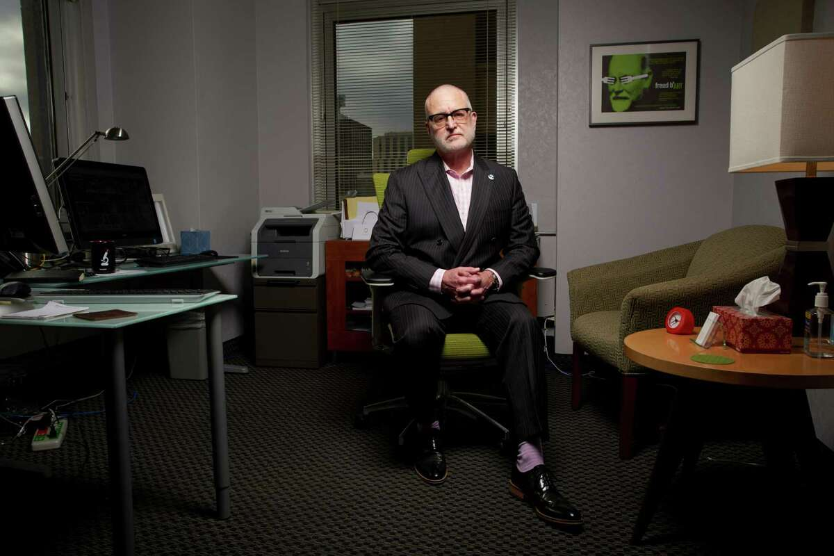 Mark Willenbring at his Alltyr outpatient clinic for substance abuse in St. Paul, Minn., Nov. 6, 2015. Willenbring, a psychiatrist, countering rehabilitation programs that see abuse as a defect, instead sees a medical condition treatable by drugs and behavioral therapy. (David Bowman/The New York Times)