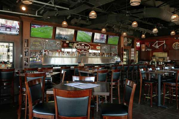 The Brass Tap offers more than 300 beers in all, with a food menu designed to highlight the beers. The interior is reminiscent of a sports bar.