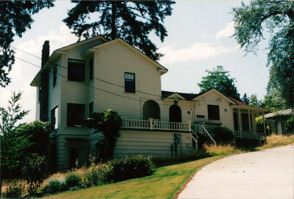 The farmhouse before its big transformation. The home was completely remodeled 16 years ago in 2000.