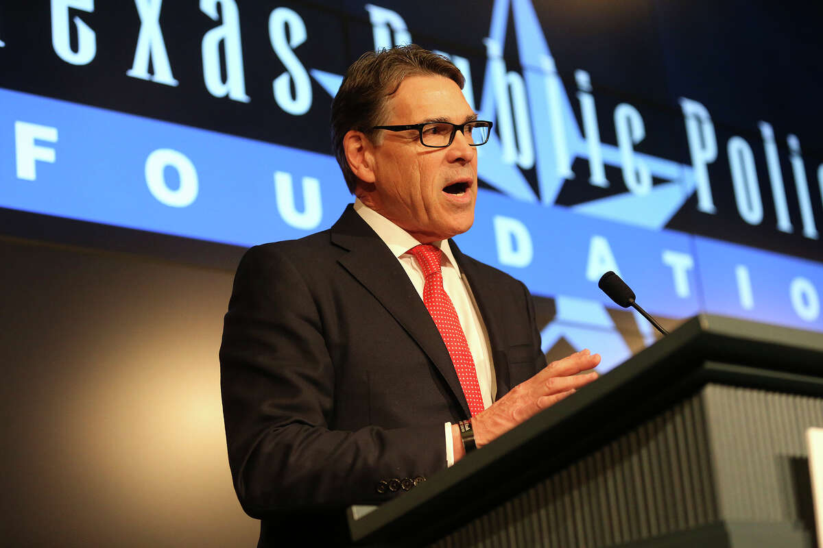 Former Texas governor Rick Perry makes a brief statement on his exoneration of felony charges during an appearance at the TExas Public Policy Foundation in Austin on February 24, 2016.