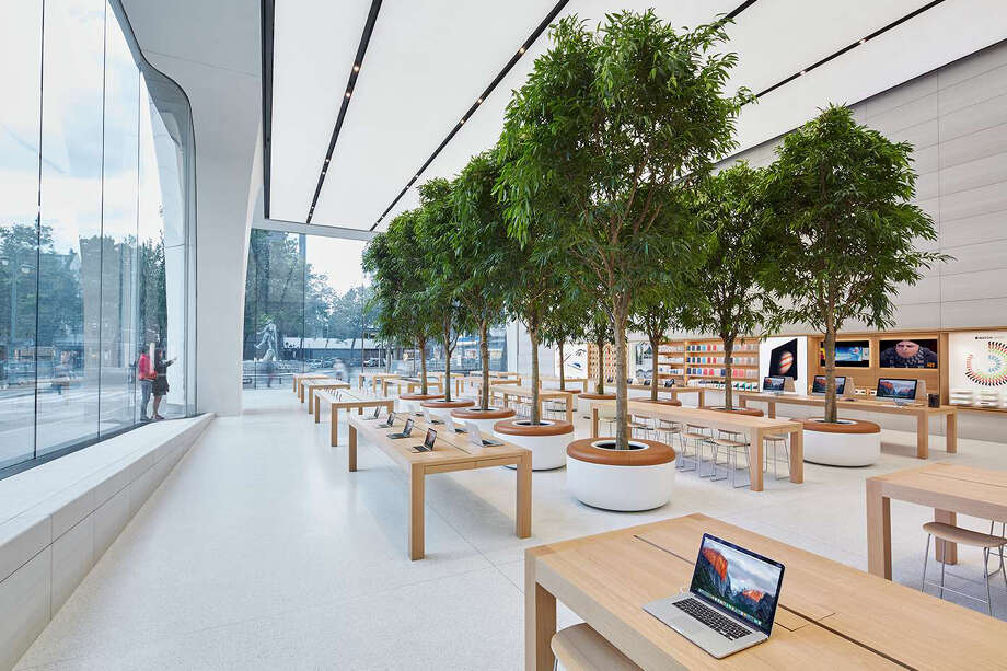 Courtesy Apple Images of Apple store in Brussels.