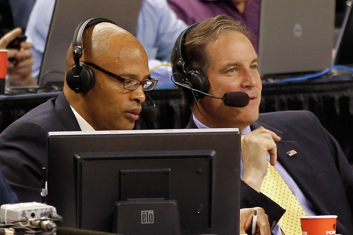 The broadcasting team of Clark Kellogg and Jim Nantz will take their talents to TBS for the men's basketball championship game on April 4 for the first time. (CBS file photo)