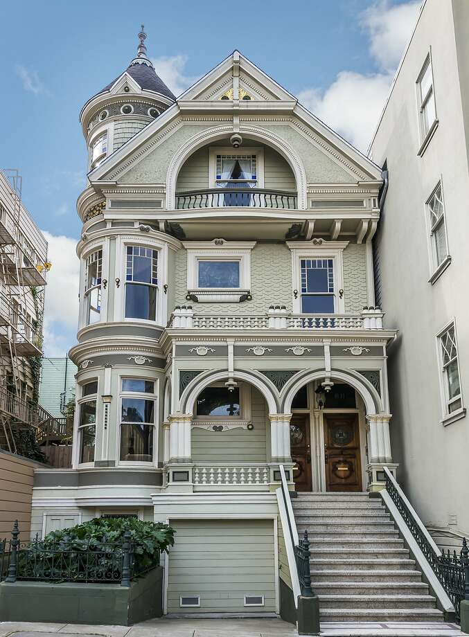 809-811 Pierce St., also known as the William McCormick Flats, are two separate units jointed listed for $4.15 million.