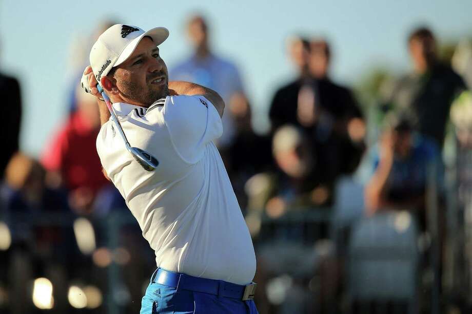 Sergio Garcia shot a 5-under-par 65 to share the Honda Classic lead with Michael Thompson. Photo: Mike Ehrmann, Staff / 2016 Getty Images