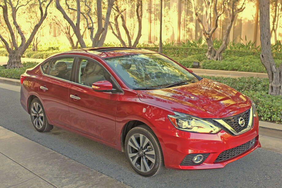2016 Nissan Sentra (photo © Dan Lyons - All rights reserved) / copyright: 2016 - Dan Lyons Photography