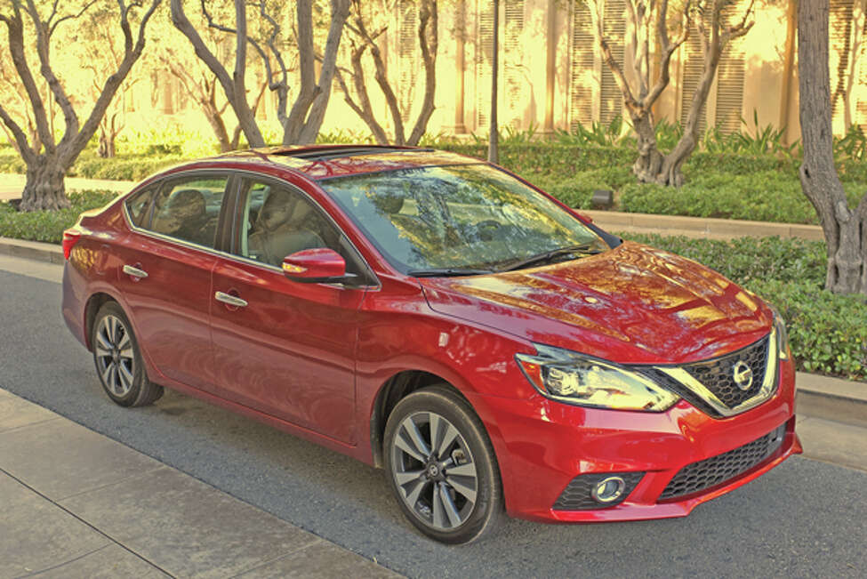 2016 Nissan Sentra (photo © Dan Lyons - All rights reserved)