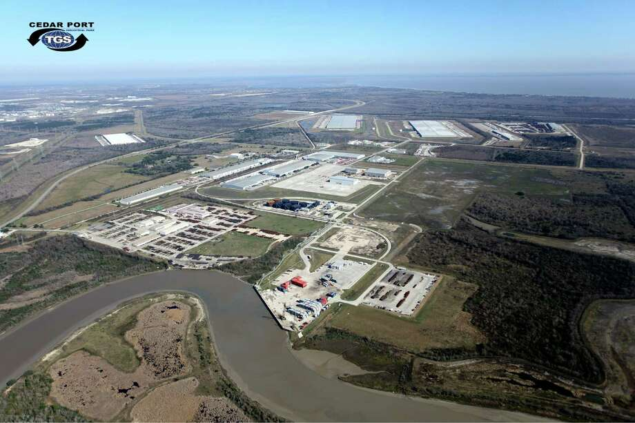 TGS Cedar Port Industrial Park, a rail- and barge-served master-planned development spans 15,000 acres near Baytown in Chambers County. TGS Cedar Port Partners has 11,079 acres available for sale or lease.