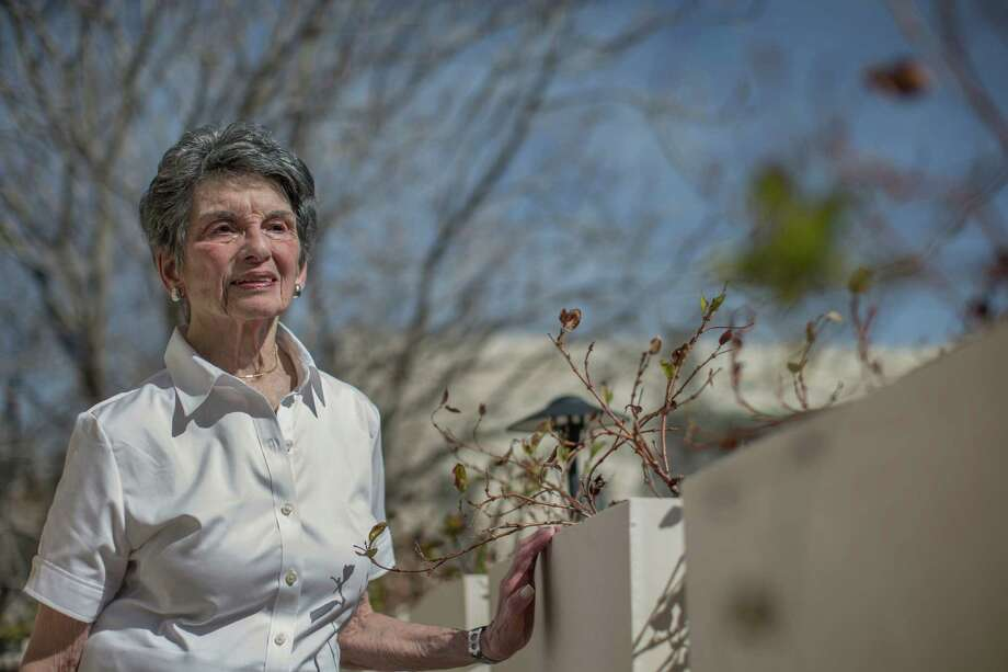 Renee Rabinowitz, a retired lawyer with a Ph.D. in educational psychology, at her home in Jerusalem on Thursday. Rabinowitz is about to become a test case in the battle over religion and gender in Israel's public spaces and the skies above. Photo: URIEL SINAI, STR / NYTNS