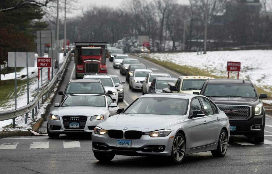 Traffic backs up on I-95 at Arch Street Exit 3 in Greenwich. Traffic frequently backs up from the exit ramp onto the highway during rush hour at the exit. Photo: Tyler Sizemore / Hearst Connecticut Media / Greenwich Time