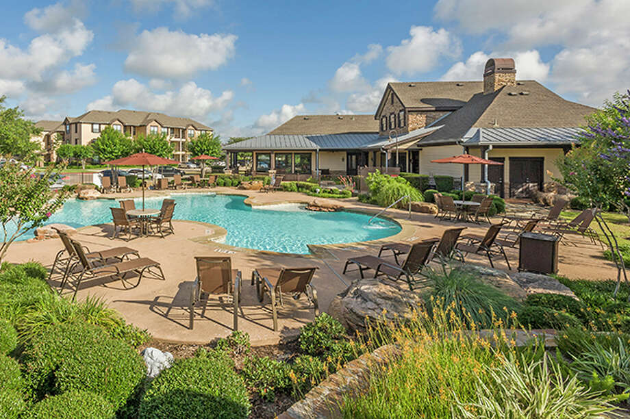 A Chicago-based private equity group has purchased the Ranch at City Park, a 270-unit apartment community on 13.76 acres at 11900 City Park Central Lane. HFF represented the seller, Gaia Real Estate. The property is located about 10 miles south of downtown along Texas 288. Architectural photographs for marketing and advertising. Photo: Mark Hiebert, Hiebert Photograph, Photographer/Owner / Copyright Mark Hiebert, Hiebert Photography. All Rights Reserved. No use without written permission. Call 281-961-3014 for licen