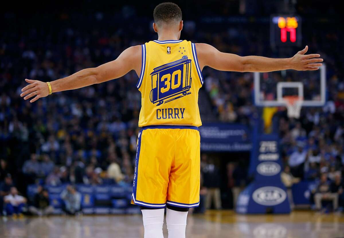OAKLAND, CA - NOVEMBER 17: Stephen Curry #30 of the Golden State Warriors stands on the court during their game against the Toronto Raptors at ORACLE Arena on November 17, 2015 in Oakland, California. NOTE TO USER: User expressly acknowledges and agrees that, by downloading and or using this photograph, User is consenting to the terms and conditions of the Getty Images License Agreement. (Photo by Ezra Shaw/Getty Images)