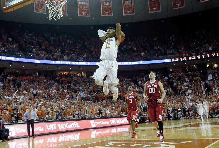AUSTIN, TX - FEBRUARY 27: Kerwin Roach Jr. #12 of the Texas Longhorns dunks the ball against the Oklahoma Sooners at the Frank Erwin Center on February 27, 2016 in Austin, Texas. Photo: Chris Covatta, Getty Images / 2016 Getty Images
