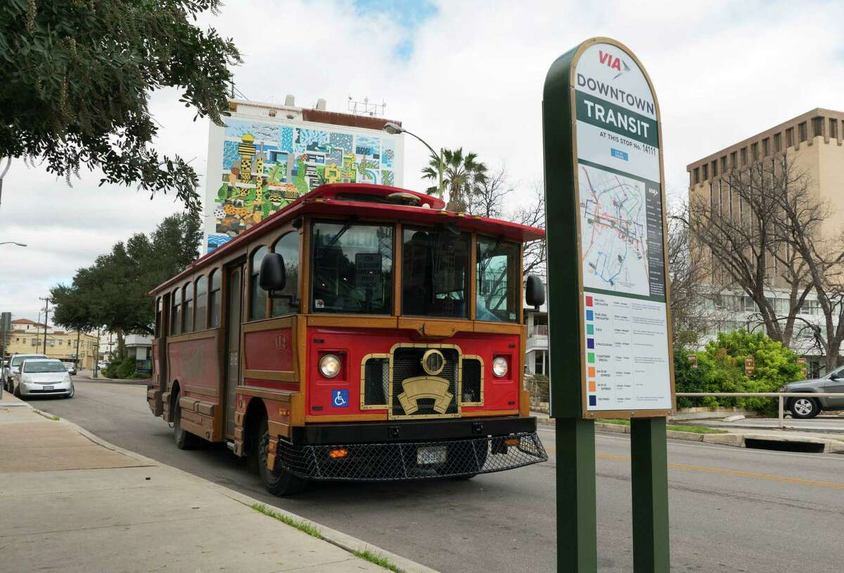 A trolley on the Blue Route comes to a stop along Lexington Avenue on Tuesday. The route might be consolidated with two others to reach from the McNay Art Museum on the north to the Blue Star Arts Complex on the south.