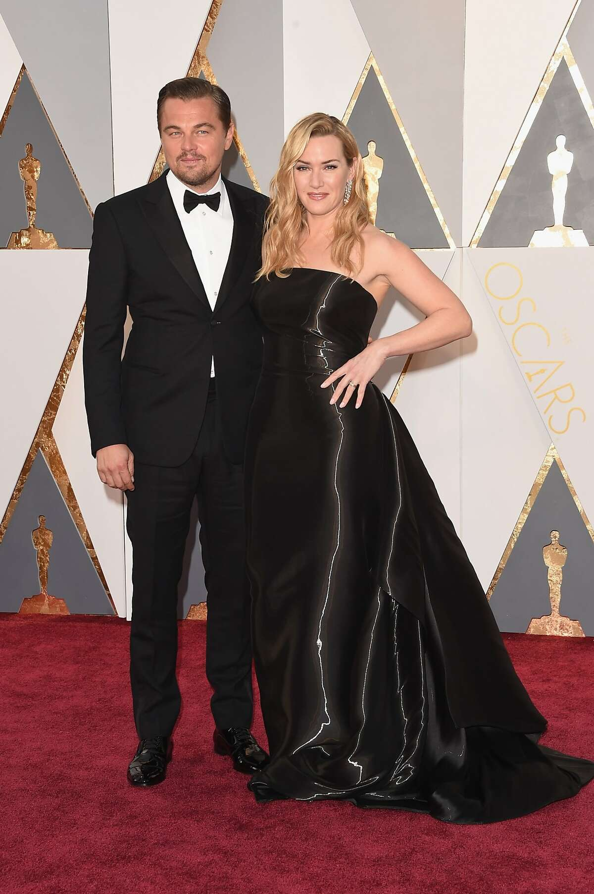 Actors Leonardo DiCaprio (L) and Kate Winslet attend the 88th Annual Academy Awards at Hollywood & Highland Center on February 28, 2016 in Hollywood.