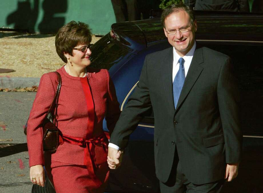 Justice Samuel Alito had to comfort his wife, Martha-Ann, after a difficult confirmation hearing. Photo: Win McNamee, Staff / Getty Images North America