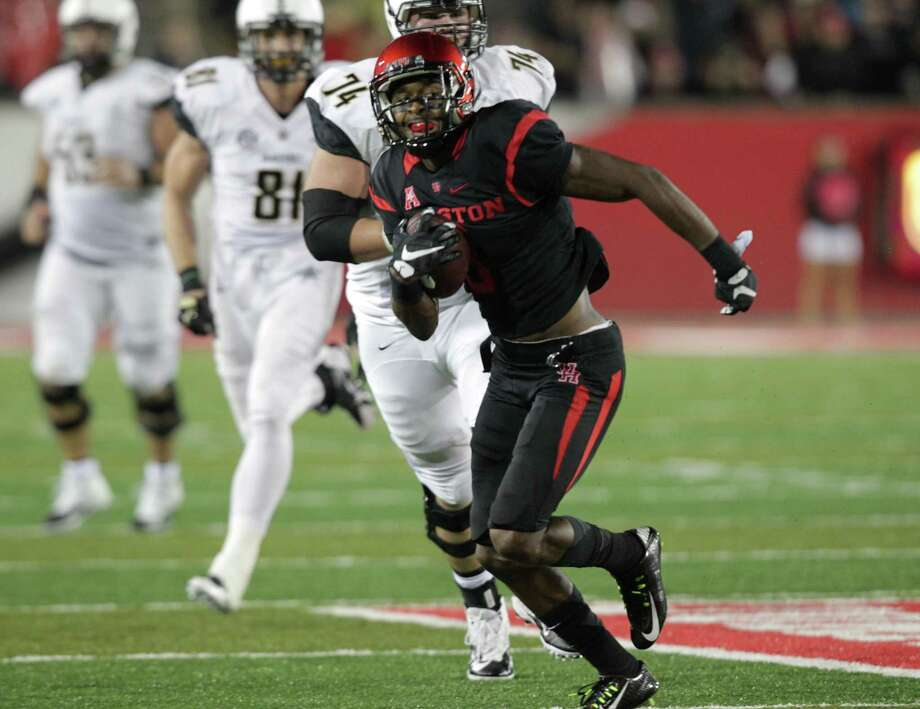 Houston cornerback William Jackson III, who led the nation with 28 passes defended and had five interceptions, is projected as a second-round draft pick. Photo: Elizabeth Conley, Staff / © 2015 Houston Chronicle
