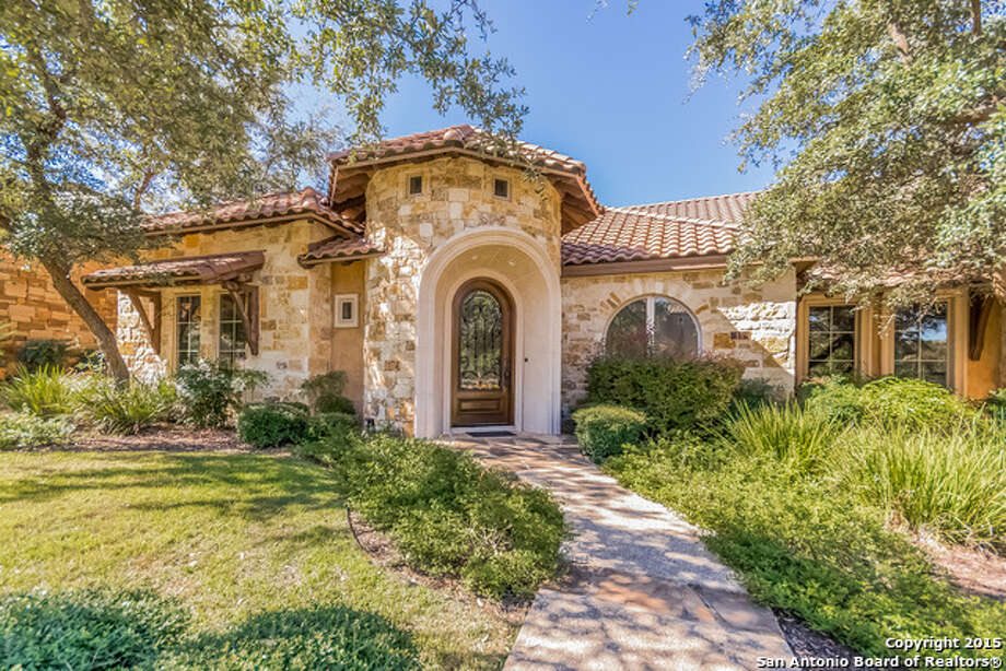 Former San Antonio Spurs forward Tiago Splitter's old Dominion home is on the market for $700,000. Photo: Courtesy,  Kimberly Howell Via MySA.com