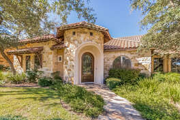 Former San Antonio Spurs forward Tiago Splitter's old Dominion home is on the market for $750,000.