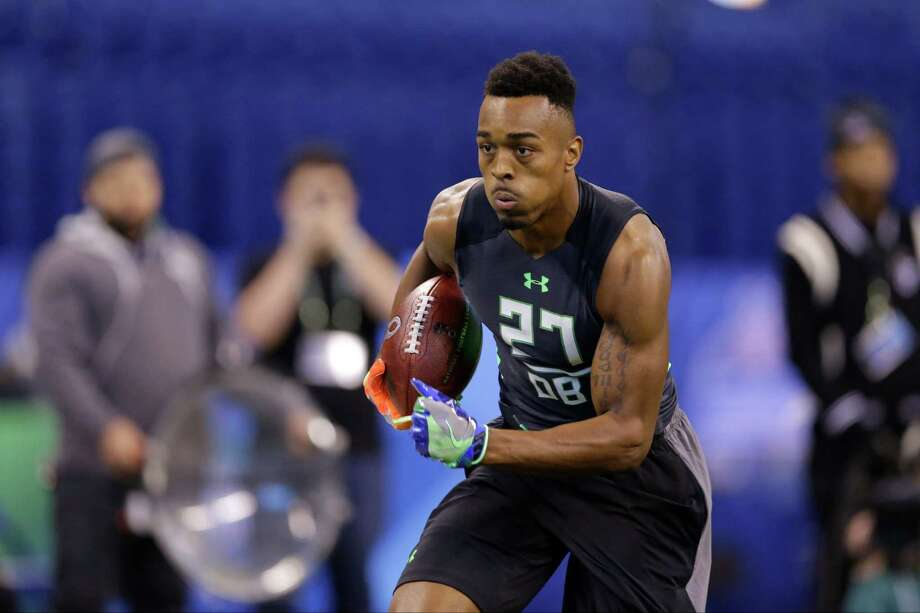 Houston defensive back William Jackson runs a drill at the NFL football scouting combine in Indianapolis, Monday, Feb. 29, 2016. (AP Photo/Michael Conroy) Photo: Michael Conroy, Associated Press / AP