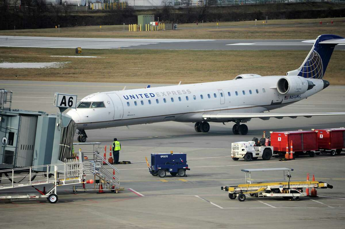A United regional jet taxis to a gate at the Albany International Airport on Monday, Jan. 11, 2016 in Albany, N.Y. (Lori Van Buren / Times Union)