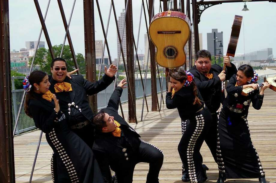What are some popular mariachi songs? | Yahoo Answers