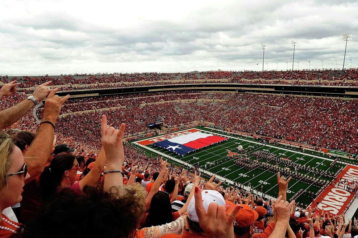 10. Texas 90,035 fans per game