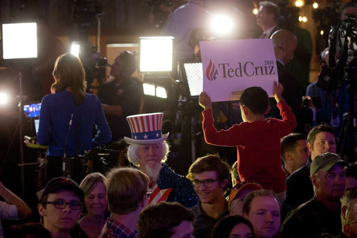 Supporters attend a Super Tuesday election night watch party for Sen. Ted Cruz at the Redneck Country Club in Stafford, Texas, March 1, 2016.