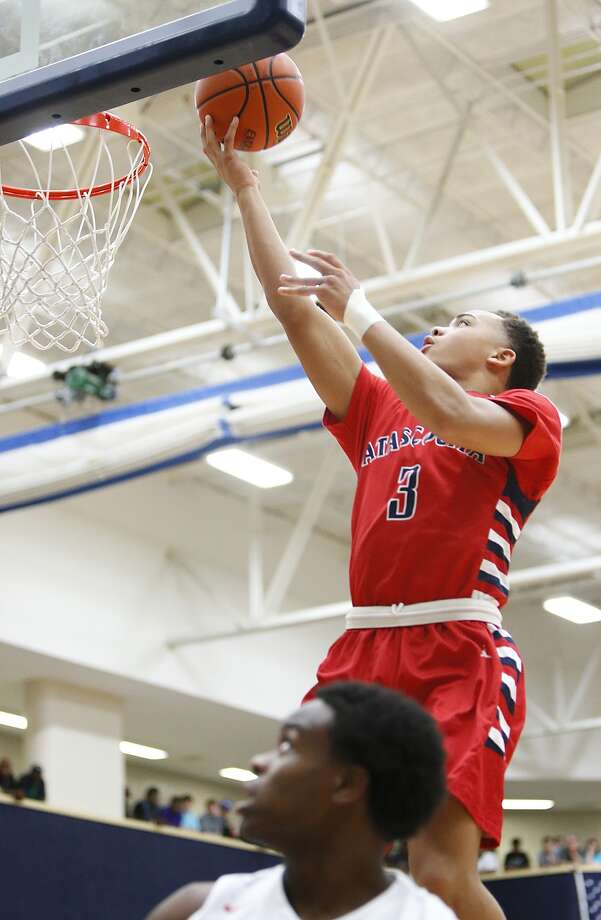 Atascocita's Carsen Edwards was the star of the show in the game against Klein Forest. He had 28 points to lead all scorers. Photo: Diana L. Porter, For The Chronicle / © Diana L. Porter