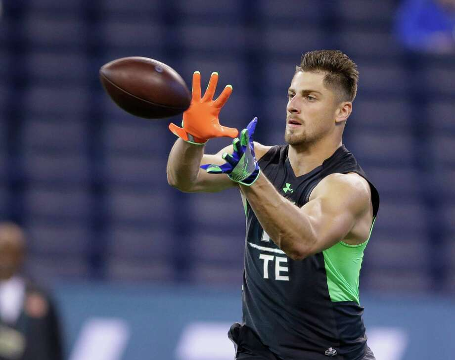 Ohio State tight end Nick Vannett runs a drill at the NFL football scouting combine on Saturday, Feb. 27, 2016, in Indianapolis. (AP Photo/Darron Cummings) Photo: Darron Cummings, Associated Press / AP