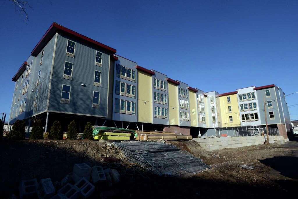 stamford point of interest springdale apartment building nears - Garden Homes Nj