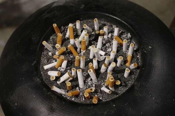 How long do disposable NJoy e cigs last