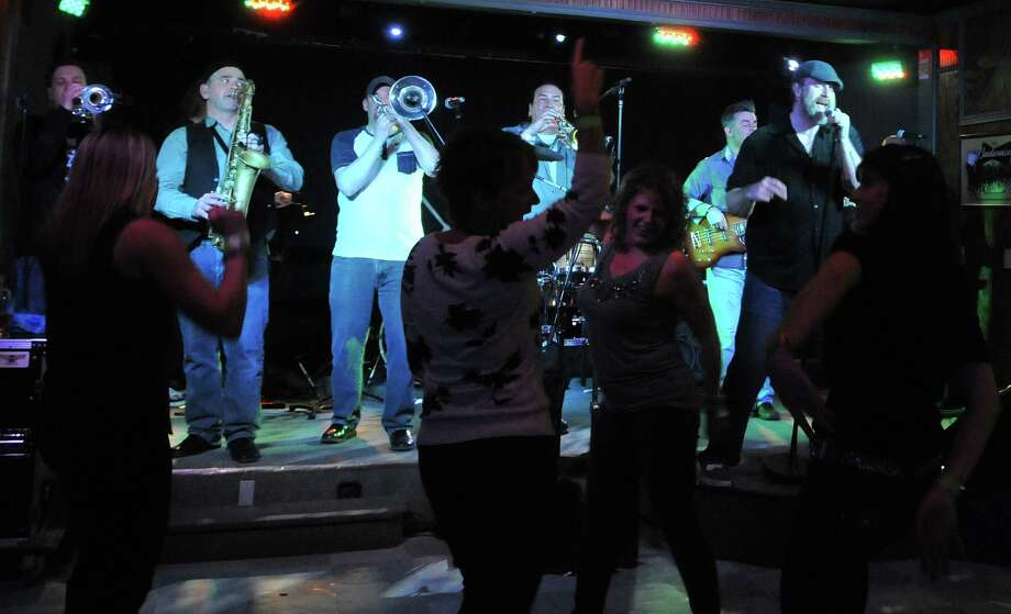 Click through the slideshow to see which Capital Region bars, clubs and restaurants that offer live music. Photo: Brittany Gregory / 10035508A