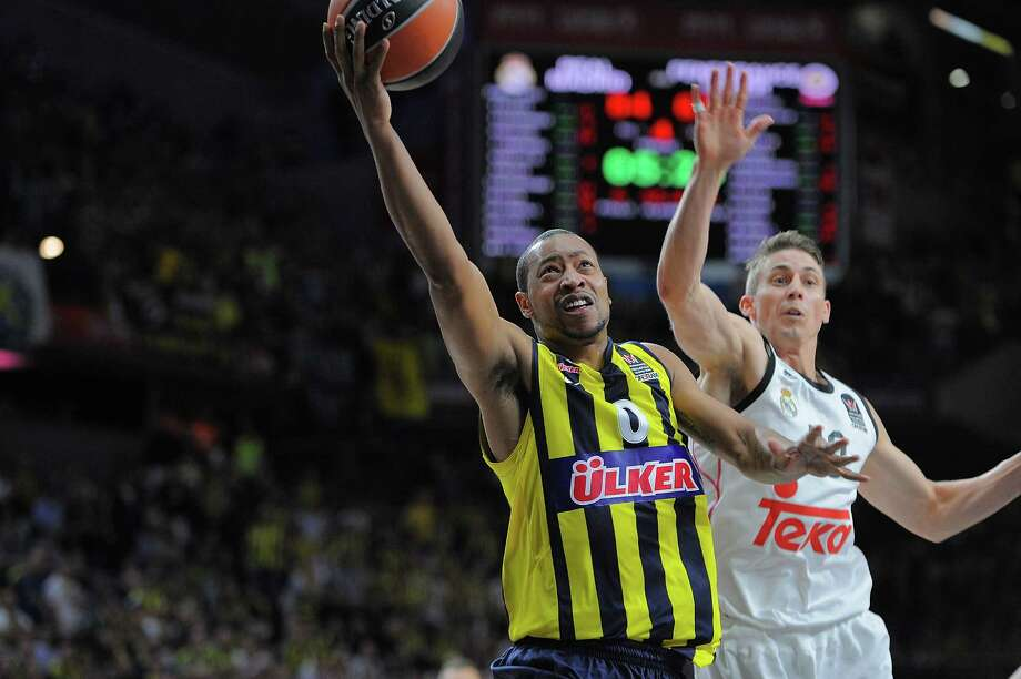 MADRID, SPAIN - MAY 15:  Andrew Goudelock, #0 of Fenerbahce Ulker Istanbul in action during the Turkish Airlines Euroleague Final Four Madrid 2015 Semifinal A game between Real Madrid v Fenerbahce Ulker Istanbul at Barclaycard Center on May 15, 2015 in Madrid, Spain. Photo: Francesco Richieri, Getty Images / 2015 Euroleague Basketball