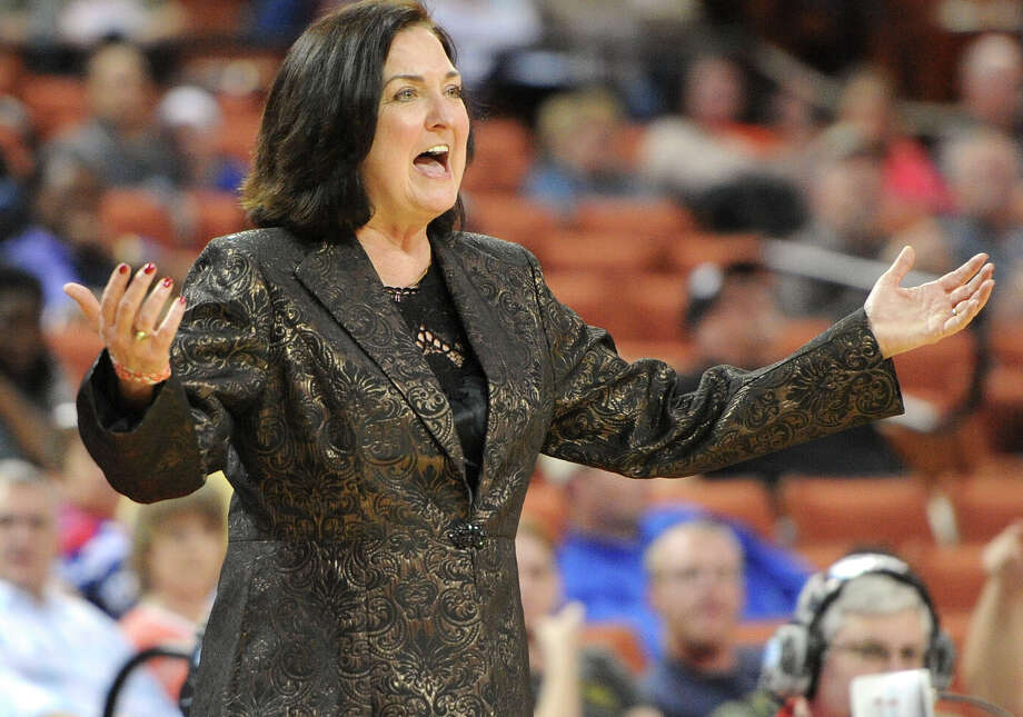 Duncanville head coach Cathy Self-Morgan works the sidelines during the UIL 5A state final against Manvel and Duncanville on March 1, 2014 at the Erwin Center in Austin. Photo: Ashley Landis /For The Midland Reporter-Telegram / ©Ashley Landis