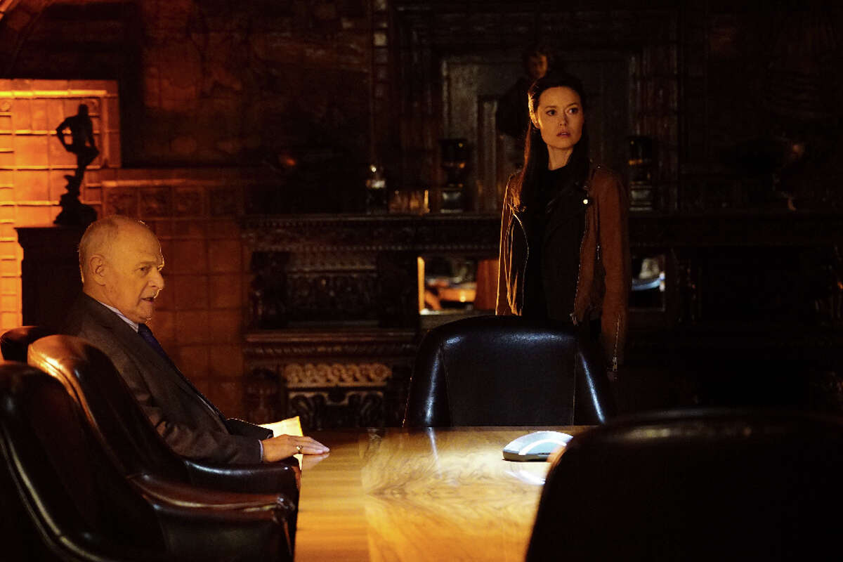 Guest-starring with Summer Glau is Gerald McRaney, who enlists her to help solve a murder.