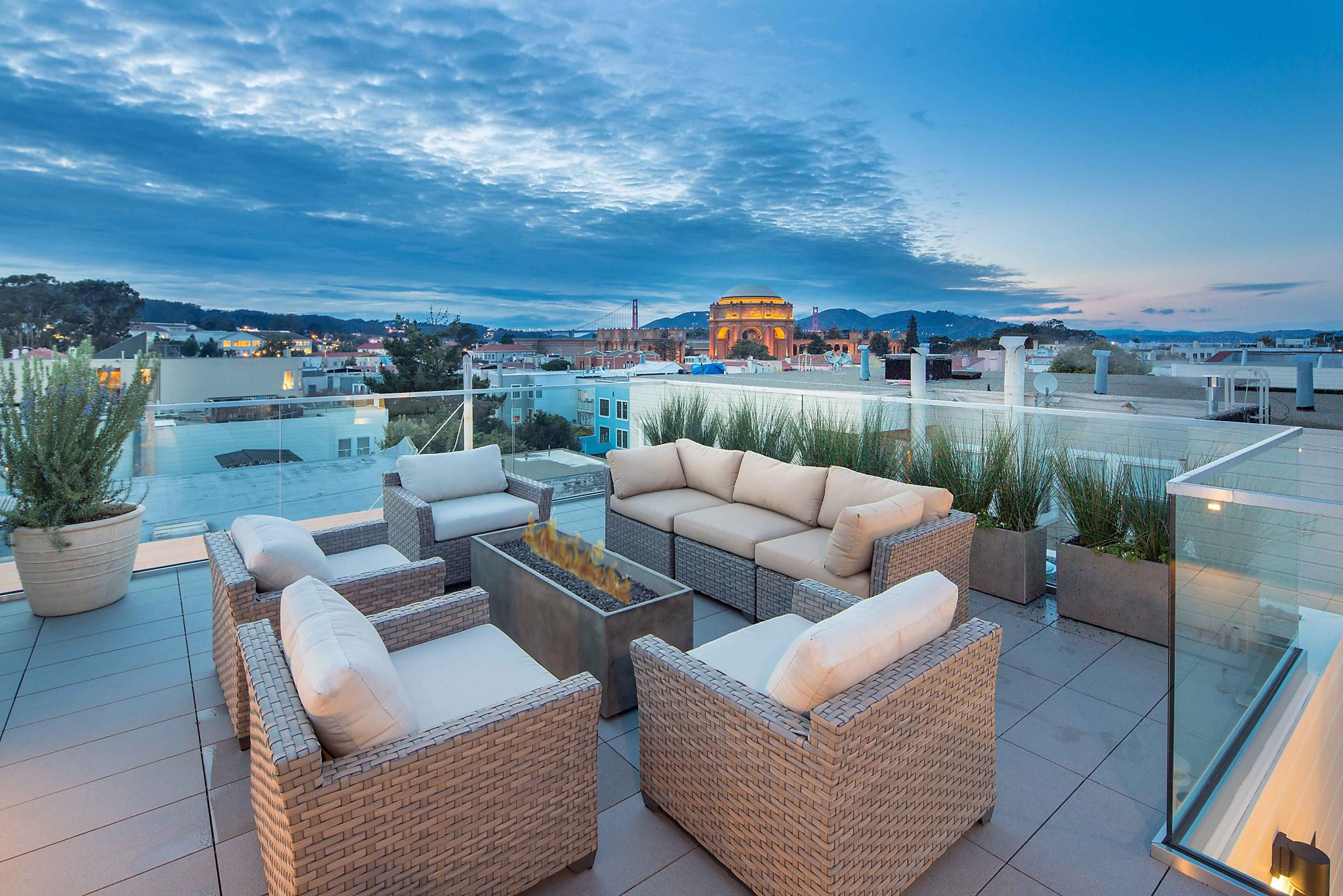 Creating a \'carefree experience\' in two-story penthouse - SFGate