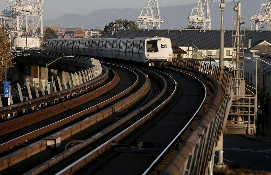 A San Francisco-bound train pulls away from the West Oakland Station. Photo: Michael Macor, The Chronicle