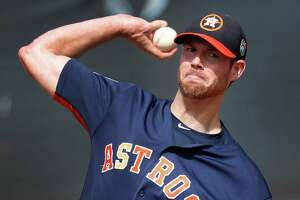 Houston Astros pitcher Doug Fister pitches during spring training in Kissimmee, Florida, Sunday, Feb. 21, 2016.( Karen Warren / Houston Chronicle )