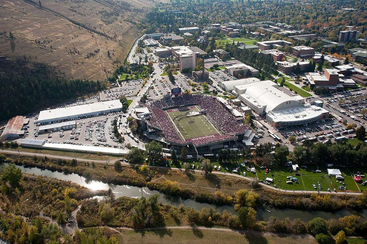 9. Missoula, Montana Rose Hill neighborhood near the University of Montana was originally platted to be its own town, but when it was gobbled up by the rest of the city's grid system, it resulted in roads with stark, 45-degree angle shifts. The area is called