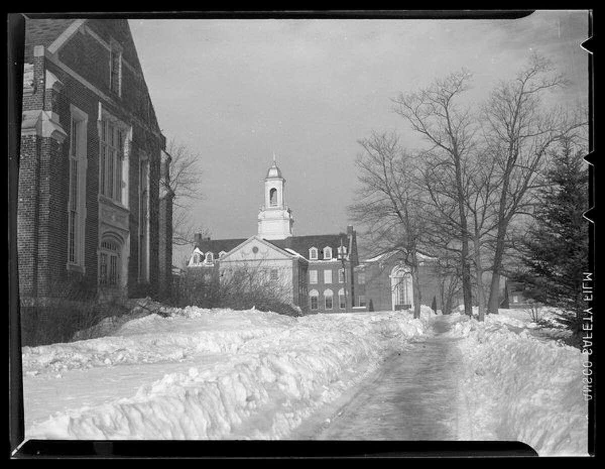 Snow Scenes around Campus