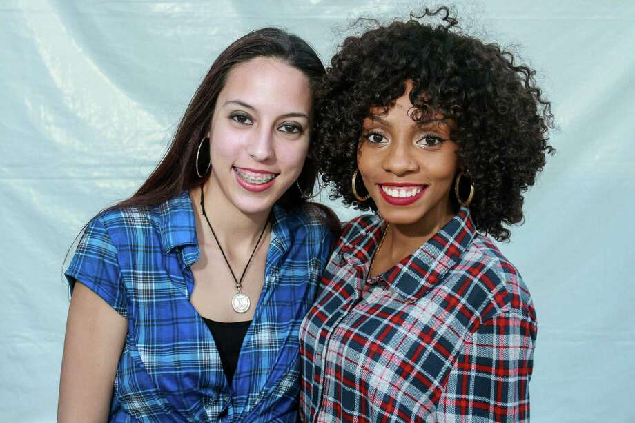 Jason Derulo fans at his RodeoHouston concert on Friday. Photo: Gary Fountain, Gary Fountain/For The Chronicle / Copyright 2016 Gary Fountain
