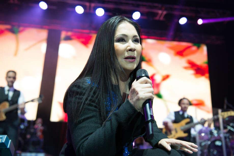 Ana Gabriel en Houston la noche del viernes 4 de marzo en el Revention Music Center. Photo: Jamal Ellis/Para La Voz De Houston