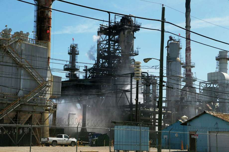 An explosion Saturday morning, March 5, 2016 at a Pasadena refinery sent plumes of smoke into the air and first responders scrambling to the scene. Photo: Houston Chronicle