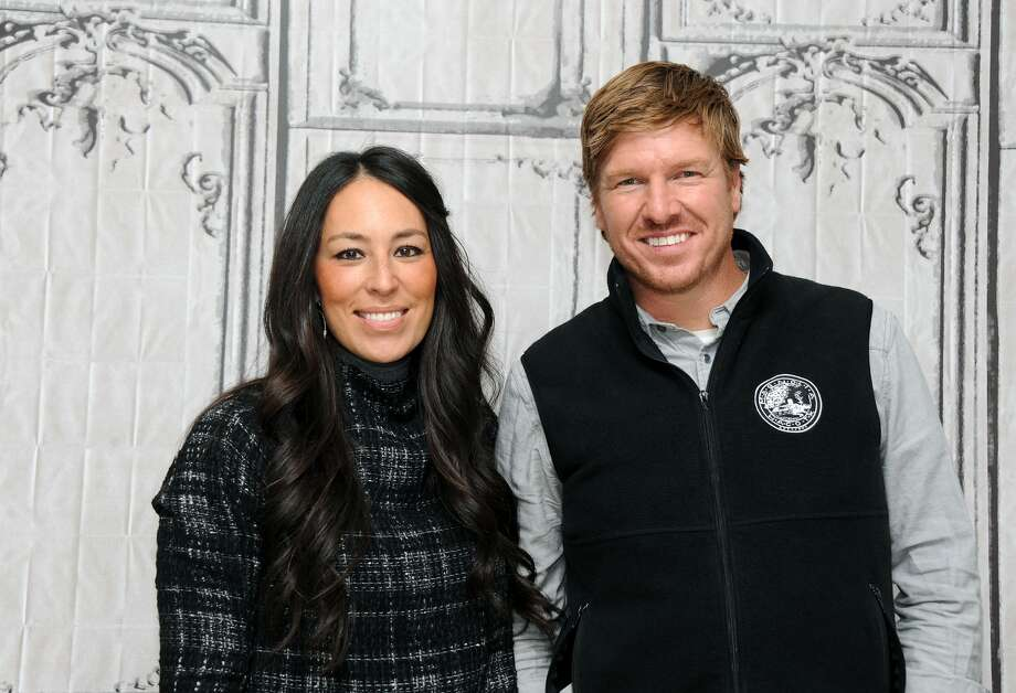 Chip and Joanna Gaines are easily two of the favorites of HGTV's programming with their hit show Fixer Upper, but can you guess how much this couple is worth?>>Keep clicking for some of the facts that will make you fall in love with Chip and Joanna.